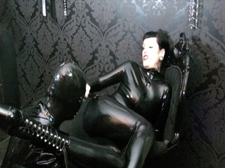5aa9b29e in Wet´n Dirty Rubber Queen