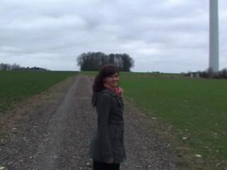 2d5fc33f in Von Schnell abspritzendem Spanner im Windpark gefickt