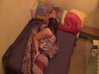 95709b19 in Nachts halb Zehn im Schlafzimmer