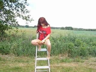 Fae2ccee in Pissen auf der Leiter