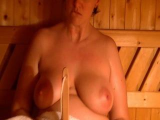 Der Fick mit der Saunabürste