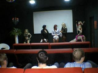 Gruppensex im Pornokino